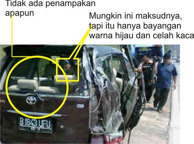 Foto penampakan hantu di mobil Saiful Jamil – Disaat masih hangatnya